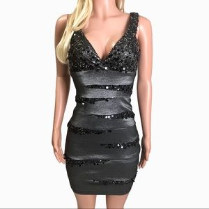 Betsy & Adam  V-Neck Sexy Cocktail Dress